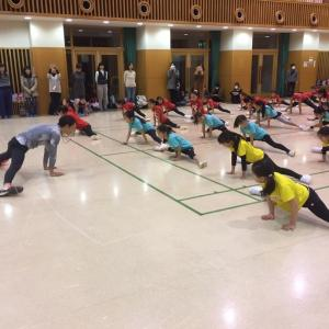 チアダンスと体操