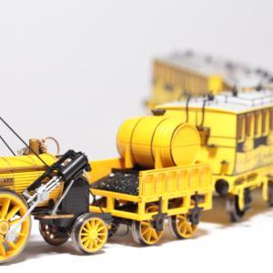 世界初の旅客用蒸気機関車、ロケット号(Hornby Stephenson's Rocket)