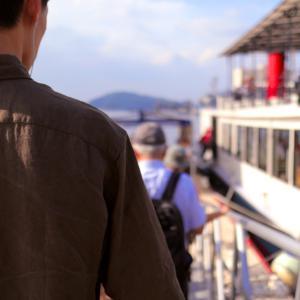 令和元年の海自「観覧式」目前のいまが大チャンス!?  横須賀軍港めぐりクルーズツアーは最高に楽しいぞ!