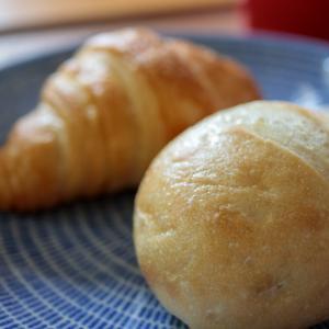 【ご提供からの、お気に入り】まるで焼き立て!な冷凍パン「Pan&(パンド)」 は、シンプル&ミニマルライフの朝食にぴったり