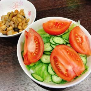 サラダと煮豆でさっぱりと!
