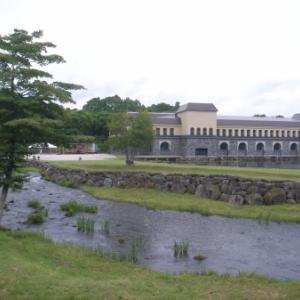 諸橋近代美術館 開館20周年記念展「ダリとハルスマン」