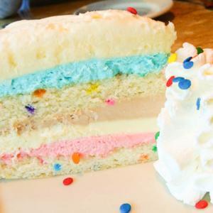 【アメリカ旅行記】カロリーが怖い!でも美味しくてフォトジェニックなThe Cheesecake Factory(チーズケーキファクトリー)