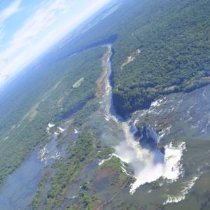 バックパッカーがヘリでイグアスの滝を周遊してみた