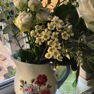 想い出のローラアシュレイの花瓶やバラやら♪