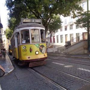 トラム28E線で坂の旧市街「アルファマ地区(リスボン大聖堂)」巡り【リスボン1日観光ルート⑧】(マイルで世界一周旅行記㉛:リスボン編⑫)