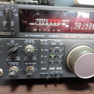 ケンウッドのHF最高級機TS-900番台の流れをくむTS-950SD
