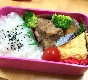 【今日のお弁当】豚の角煮とじゃがいも