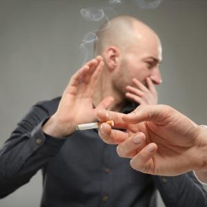 タバコを止めたら薄毛は改善する?