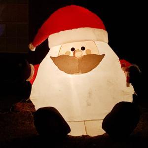 アメリカのクリスマスは 家でイルミネーション☆