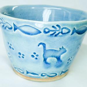 ネコ模様のフリーカップ