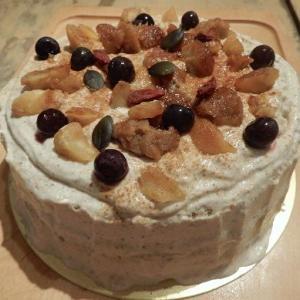 秋の味覚 栗🌰のせ ご予約様 ホールケーキが旅立っていく。