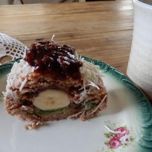自宅用 それらしくつくろった、 サイボーグ的米粉のロールケーキ 美的仕上げ。