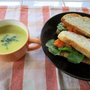 野菜スープがあれば簡単ランチ