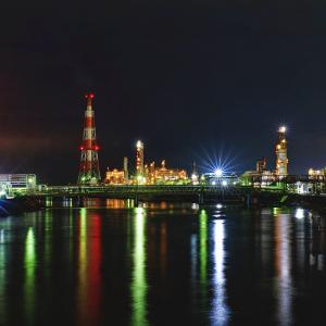 大正橋からの四日市コンビナート夜景 (三重県 四日市市)
