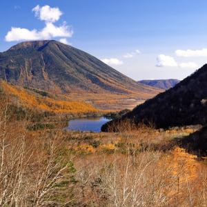 湯ノ湖と男体山 (栃木県 日光市)