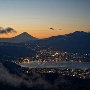 霧晴れ行く高ボッチ山から (長野県 岡谷市)