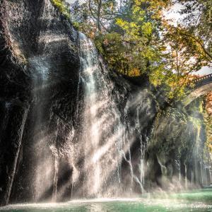 光と水のアート ~真名井の滝~
