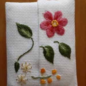 風薫る花の刺繍🌼