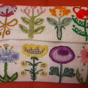 楽しい刺繍。花のパレード。