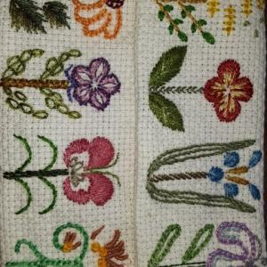 11月の刺繍 花のパレード
