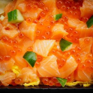 鮭とイクラのちらし寿司~宅配寿司