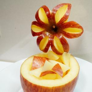 りんごのカゴ~カービング~ポチも一緒~
