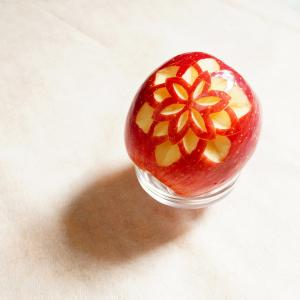 りんごのカービング~シンプルなお花