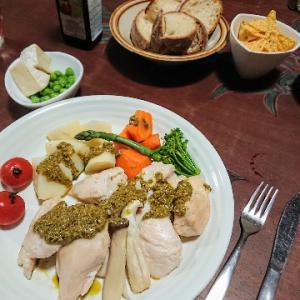 テキトウに作ると、イタリアの田舎の食堂みたい。