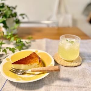 昔よく作っていたヨーグルト(チーズ)ケーキで ほっこりおやつタイム♪( ´▽`)