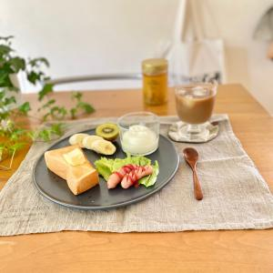 お気に入りの北欧食器と美味しい【生はちみつ】でワンプレート朝ごはん(*´꒳`*)