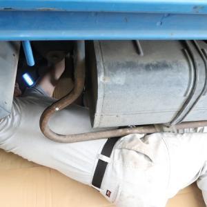 車の下から水が垂れる。車検の前にマフラー継ぎ目の水漏れを修理しました【DIY】