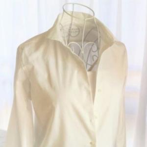 無印の白シャツを愛用する私が3枚めに選んだものは?おすすめの無印良品コーデを考えてみた