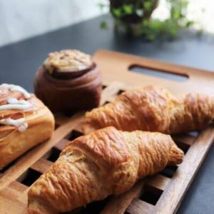無印良品の冷凍パンと人気のPan&(パンド)どちらが美味しいのか比べてみた【絶品お取り寄せグルメ】