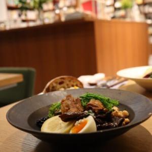 京都のカフェ「本と野菜OYOY(オイオイ)」の美味しいランチがおすすめ【坂の途中の有機野菜が食べられるお店】