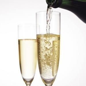 もう大丈夫!!  恥をかかずに済む、シャンパンとスパークリングワインの違いはこれだ!!