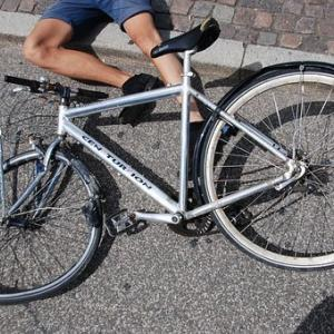 自転車と自動車の非接触事故 を起こしてしまった、さて賠償責任はどうなる?