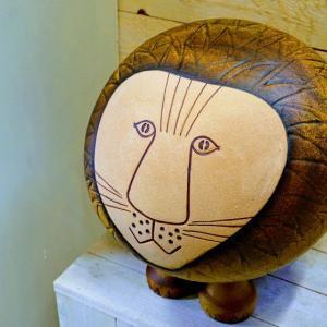 心を癒す陶器!グスタフスベリのリサ・ラーソン工房でアウトレット品を格安でゲット!