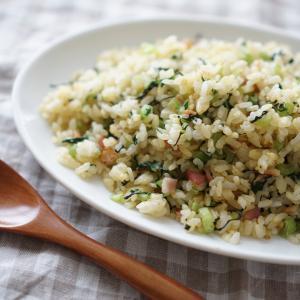 小松菜とベーコンの炒飯【レシピ】