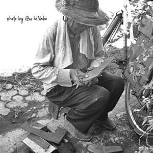 久しぶりに履くと壊れるサンダル@バリ島生活