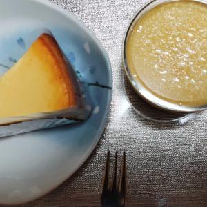 九州支部長余裕でケーキを食う