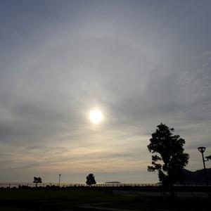 南熱海の空に日輪が・・・