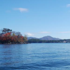 紅葉見物・檜原湖