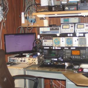 久し振りに無線機器のレイアウトを変更しました。