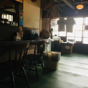 アンティークガレージカフェへ。