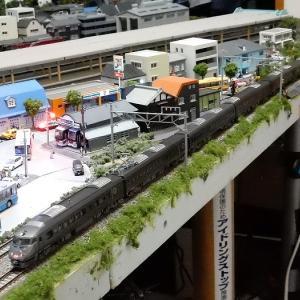 【Nゲージ鉄道模型】KATO787系アランウンド・ザ・九州10-590にサハ787-100組み込み7両化組成と床下機器&方向幕Assyパーツ取付け工事施行しましたヽ(=´▽`=)ノ