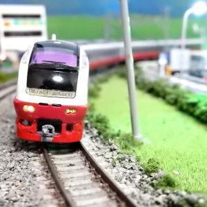 【Nゲージ鉄道模型】<特別企画常磐線まつり番外編>マイクロエースE653系フレッシュひたち(赤)前面スカートリアル化工事(改)施行しましたヽ(=´▽`=)ノ