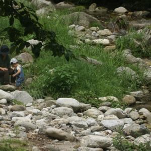 山里を知り、人を知り、住む場所を探す、「トンカン木工塾」は、自然の中の工房です。