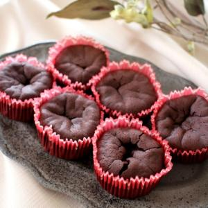 チョコ濃厚なのにホロッと軽いガトーショコラ