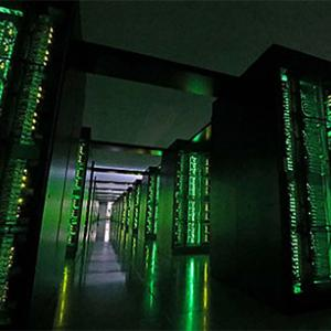 世界1位は日本製超スーパー・コンピューター富岳!計算速度はアメリカの約3倍!